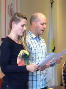 Leanne Lang and Chris Luginbuhl take their oaths as MIs, December 2015